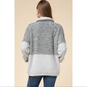 Hannah Beury Sweaters - Color Blocked Sherpa Pullover - Grey